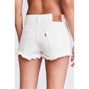NWT Levi's 501 High Rise Cutoff Shorts in White 27